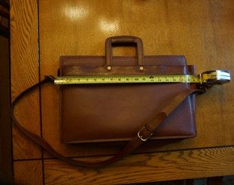 Beuatiful Vintage Coach Leather Business Bag
