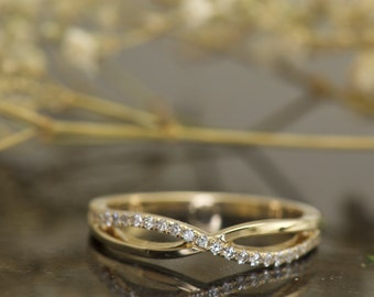 Alexis - Diamond Wedding Band in yellow Gold, Round Brilliant Cut, Criss-Cross Design, Prong Set Diamond, Stackable, X Style, Free Shipping