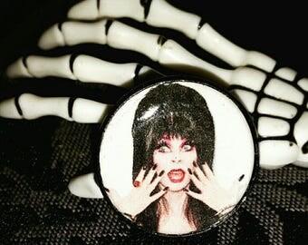 Elvira brooch