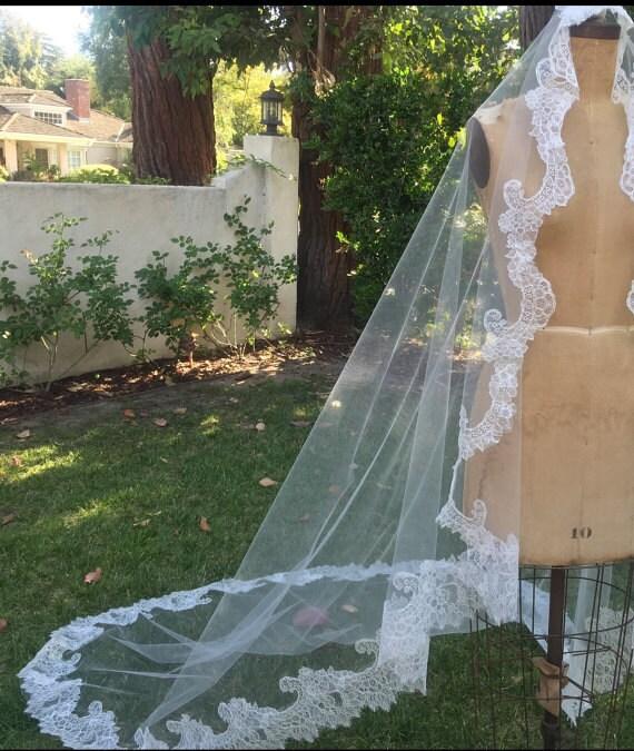 Lace Swatch, Chantilly lace, Alencon Lace, Ivory lace, Light Ivory Lace - CECILY VEIL