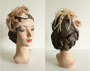 Vintage 1940s 50s Floral Fascinator Hat · Peach Pink Netting Mini Hat