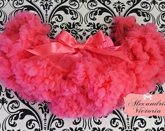 CORAL PETTISKIRT with Bow,  Coral Tutu, Newborn Pettiskirt, Baby Pettiskirt, Toddler Pettiskirt, Smash Cake, Birthday Outfit.