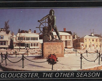 Gloucester, Massachusetts, Unused Postcard, c1970s, Fisherman statue, fair shape
