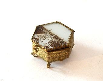 Vintage Gold Brass Filligree Casket Souvenir Trinket Box / Gold European Collectible Box / Antique Brass Jewelry Box / Small Gold Ring Box