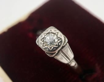 1920s Art Deco 18K Platinum Diamond Engagement Ring