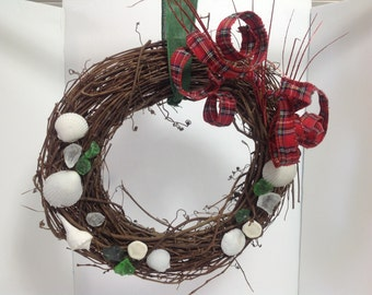 "16"" Beach Christmas wreath with shells and ribbon"
