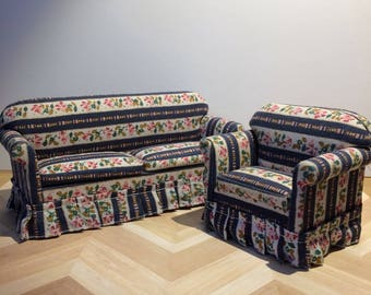 1:12 Scale Sofa and Chair set with removable cushions