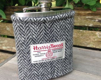 Harris tweed 8oz hip flask in grey and black herringbone tweed. Father's Day groomsmen usher best man wedding gift