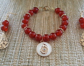 Carnelian and Shell Motif Bracelet/Gift for Her/Birthday Gift/Mothers Day Gift/Beach/Seascape