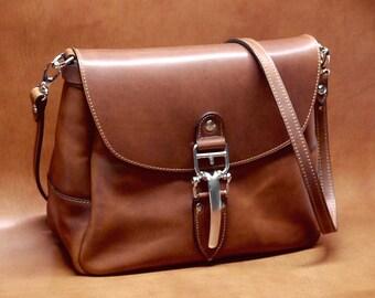 Soho Women's Cross Body Shoulder Bag, Mini Mail Bag with Quik-Latch