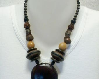 NECKLACE in wood color brown