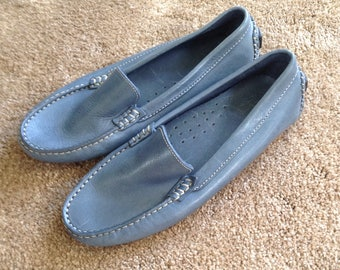 Saks Fifth Avenue blue women's driving moccasin loafers