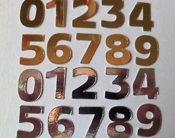 20mm Die Cut Numbers x 10 sets (100) in Gold & Silver (5 sets of each)