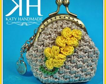 Mini crochet coin purse