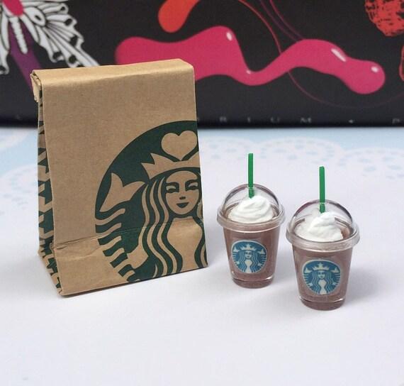 Miniature Starbucks Paper Bag and 2 pcs Ice Starbucks Chocolate,Miniature coffee cup Starbucks,Miniature Chocolate,Dollhouse Starbucks