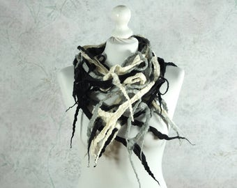 felted scarf, felted necklace, black, gray, white, Feltmondo
