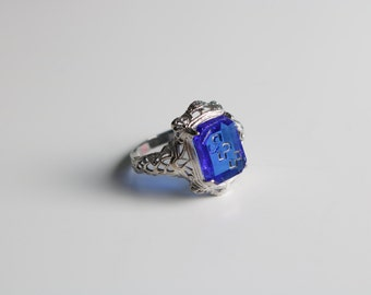 Antique 1933 Filigree Ring with Etched Cobalt Gem
