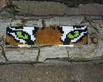 Beautiful hand beaded tiger's eyes bracelet.