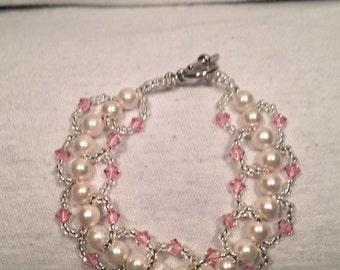 Beaded Loop Bracelet- pink pearl- 7 inches