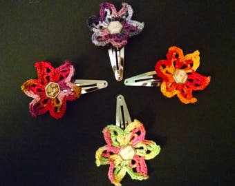 Crocheted flower snap clip