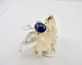 Tanzanite pendant. Rainbow moonstone. Tanzanite. Rainbow moonstone. Jewelry. Jewellery. Sterling silver. Gemstone. Pendant. Necklace.