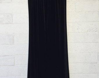 90s Black Crushed Velvet Maxi Skirt | by JR Bentley | size Large