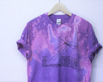 UFO Tie Dye T-shirt, Screen Printed Alien design T-Shirt, unique top, outer space shirt