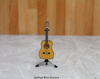 Mini acoustic guitar pendant Kelthes Mini Guitars