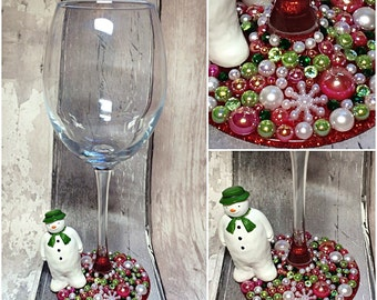 The snowman character wine glass, Christmas gift, unique gift, glitter wine glass