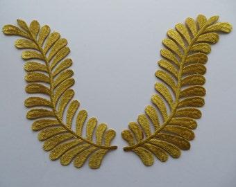 Gold metallic laurel leaves trim applique. 1 pair, iron-on.
