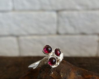 Garnet ring, stackable gemstone rings, silver branch ring, Sterling silver leaf ring, stacking ring, Thin silver ring ,israeli jewelry
