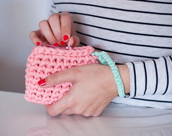 Wallet with bracelet, pink, water green, with lining, zipper, crochet.