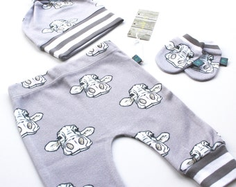 Newborn gift set, baby leggings, knotted hat, scratch mits, Baby clothes, cows, organic baby clothes, baby gift, baby trouser