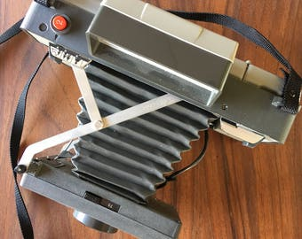 Vintage Polaroid 320 instant land camera.