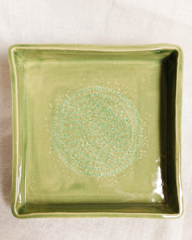 Hand carved decorative ceramic tray green vanity tray for Decorative bathroom tray