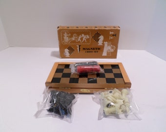 Vintage 70s Magnetic Chess & Checkers Set