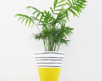 Hand Painted Yellow Stripe Plant Pot - 15cm
