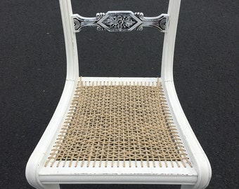Gorgeous Antique Accent Dining or Vanity Chair