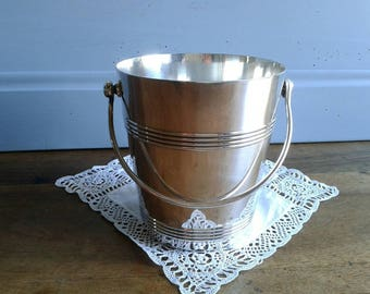 Stunning and very stylish Christofle Gallia ice bucket, French vintage party wares / bar ware circa 1950s.