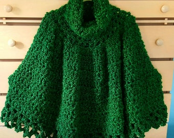 Women's poncho in emerald green. .  Perfect for St.Patrick's day.Irish poncho.Spring poncho warm poncho in malachite green.Christmas poncho