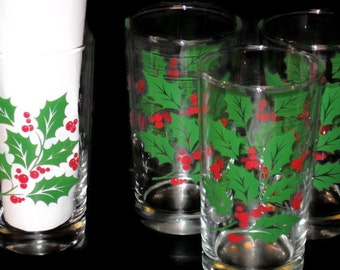 Vintage Holly Glasses, Vintage Glassware, Drink Glass, Water Glass, Holiday Glass, Collectible Set, Drinking Glasses, Christmas Glass Set