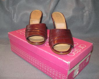 Vintage Ladies Sandals, Leather Sandal, Air Step Sandal, Heeled Sandal, Slip On Sandal, Size 5.5 M, Vintage Wine Leather Sandal, Ladies