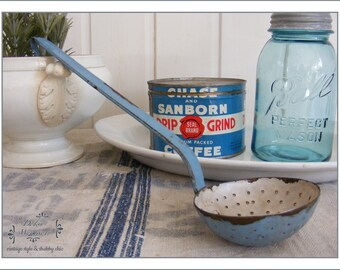 Antique foam ladle enamel blue - French Shabby