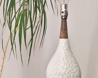 Mid Century Lamp. White Ceramic and Teak Table Lamp, Accent Lighting