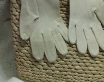 White Cotton Gloves - Bracelet Length Size Small