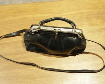 Vintage Black Buffalo leather handbag doctor style - full grain with big clasp