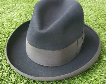 "1950s Black ""LEE"" Homberg // Fur Felt // New York Hat Stores, California // Kingway"