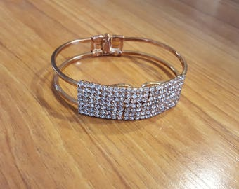 RARE Beautiful Vintage gold and clear rhinestone art deco bracelet! A MUST SEE!