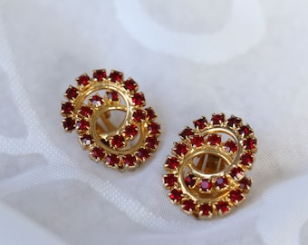 Great Vintage Red Rhinestone Gold Tone Clip On Earrings