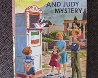 The Happy Hollisters and the Punch and Judy Mystery by Jerry West 1964 Free Shipping
